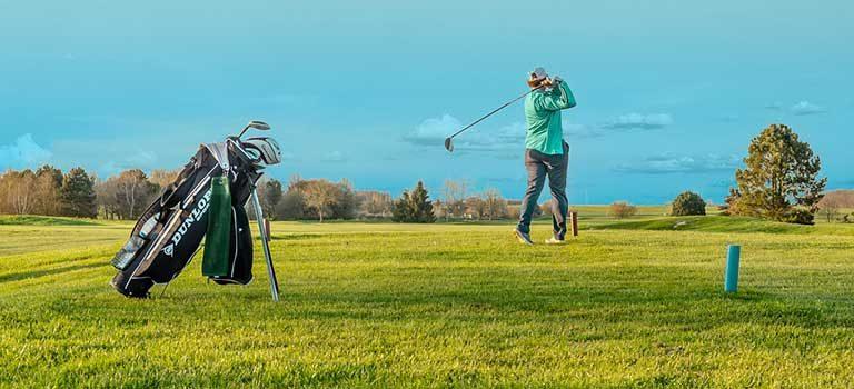 golf-abschlag-club